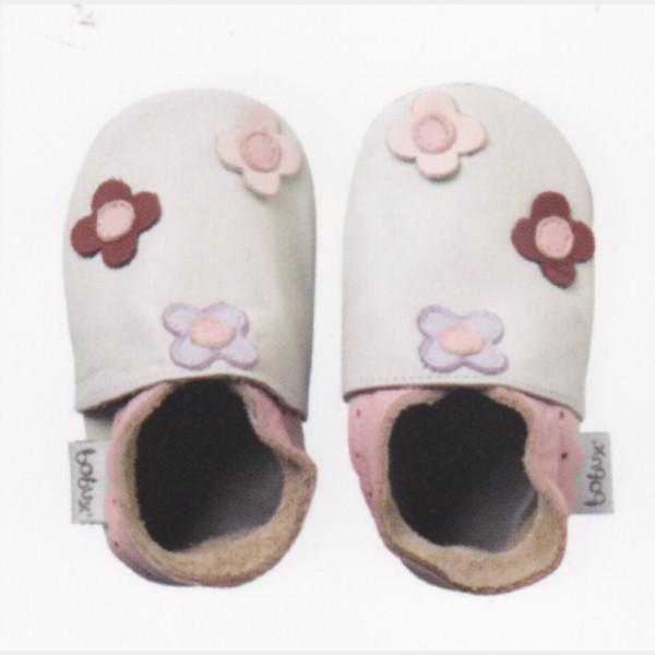 Chaussures Bobux blanc cassé à fleurs roses